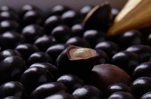 坚果巧克力
